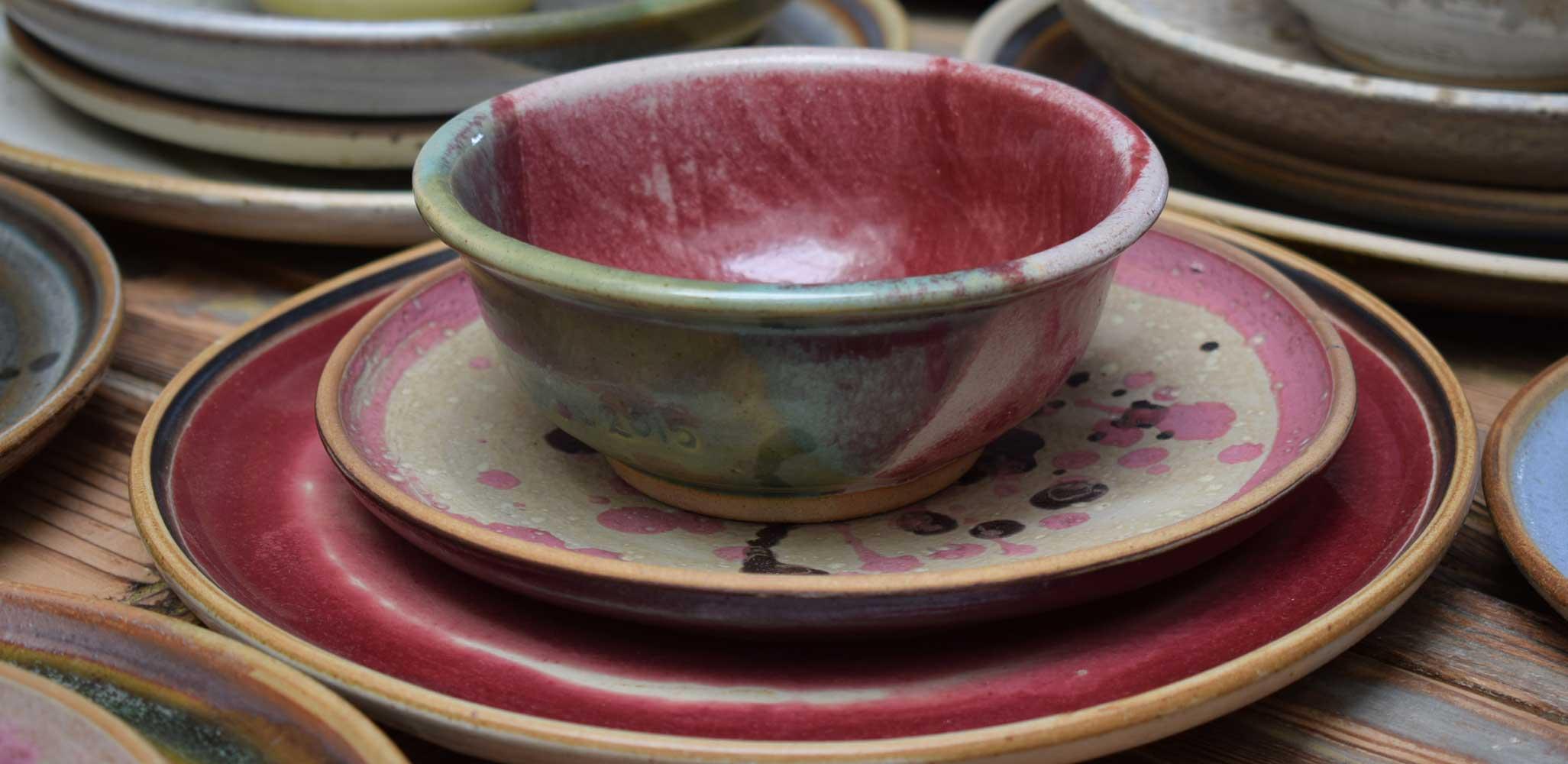 Vajilla de gres color rosa gres sierra for Vajilla rosa